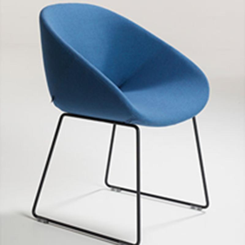 北欧经典餐椅 甲虫椅扶手椅 吧凳 设计师休闲椅 别墅酒店样