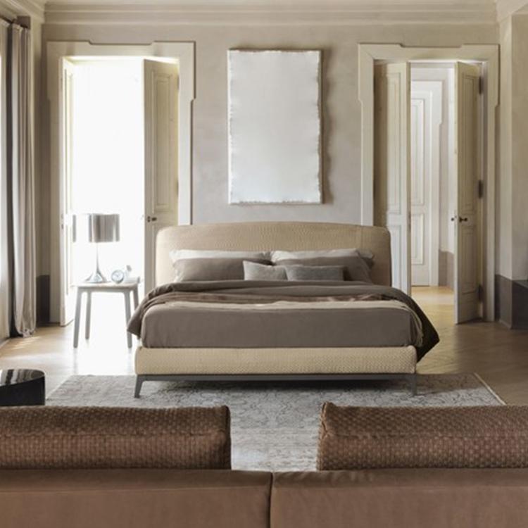 轻奢布艺床后现代简约主卧室实木床 床头板和底座皮革覆盖双人床