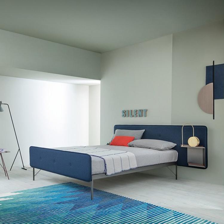 现代简约布艺双人床 不锈钢脚架 床头柜
