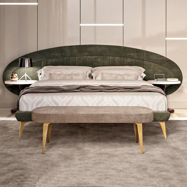 泰晤士河畔里士满双人床 不锈钢金属脚 贴墙高背床头 绒面革