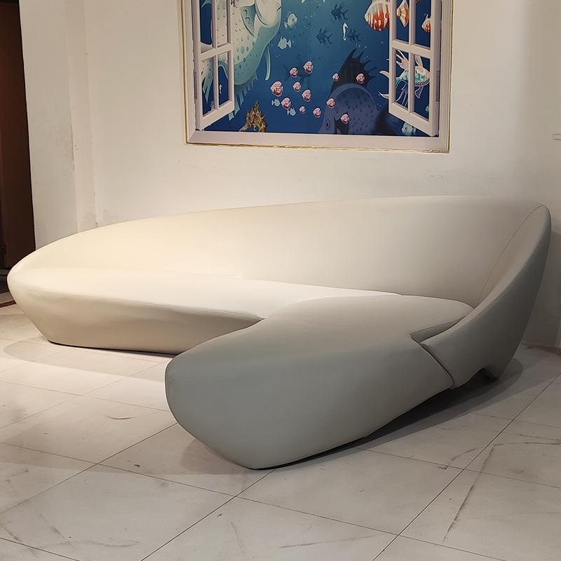 意大利著名品牌作品 欧洲设计师 扎哈·哈迪德 玻璃钢月亮沙发 异形 7字型大厅酒店多人位沙发